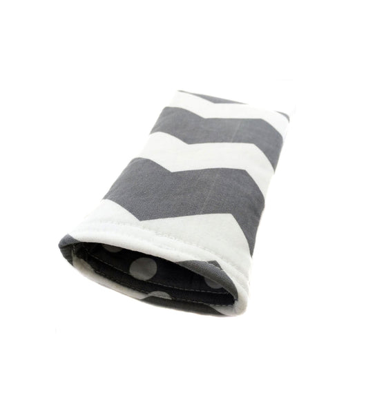 Gray and White Chevron Eye Glass Case