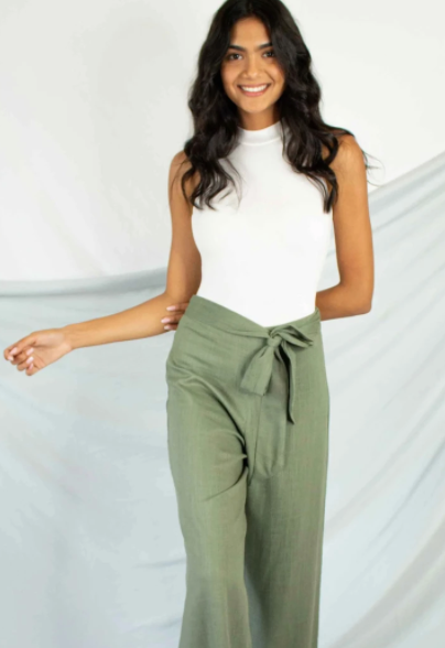 Ribbed bodysuit and linen pants
