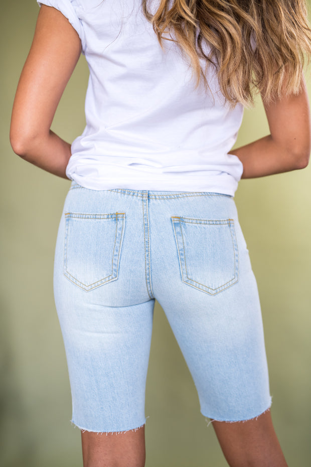 San Diego Distressed Bermuda Shorts Light