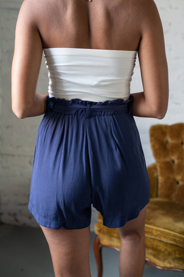 Passing By High Waisted Shorts Navy