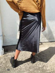 Smooth Like That Midi Skirt Black