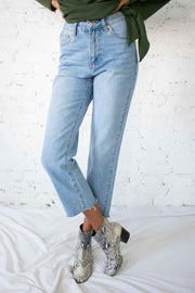 Georgia Straight Leg Jeans Medium Wash
