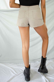 Different Route Shorts Taupe