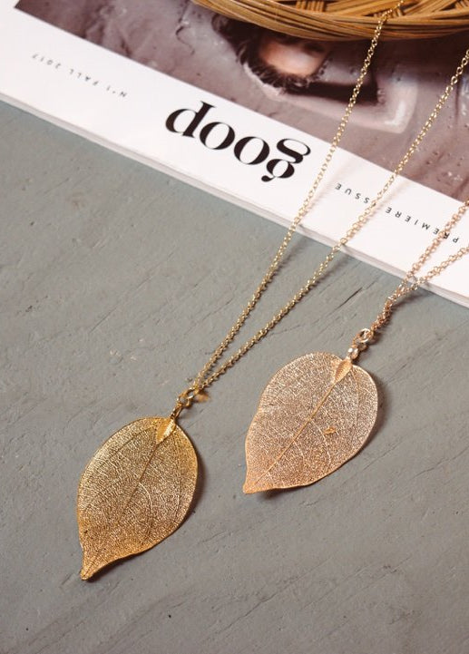 Cutout Leaf Pendant Necklace