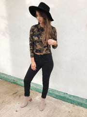 Carefree Camo Crop top - Shellsea