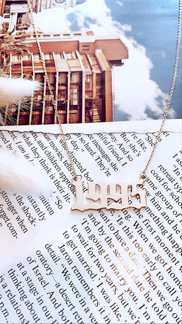 Year 1995 Necklace Gold