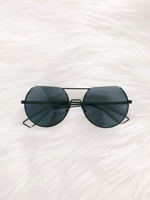 On The Edge Black Sunnies