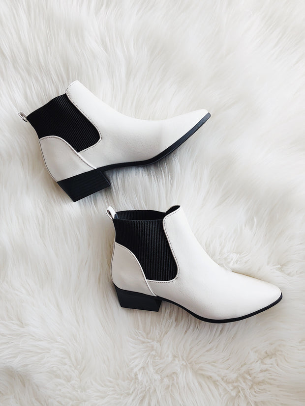Made For Walkin' Boots White - Shellsea
