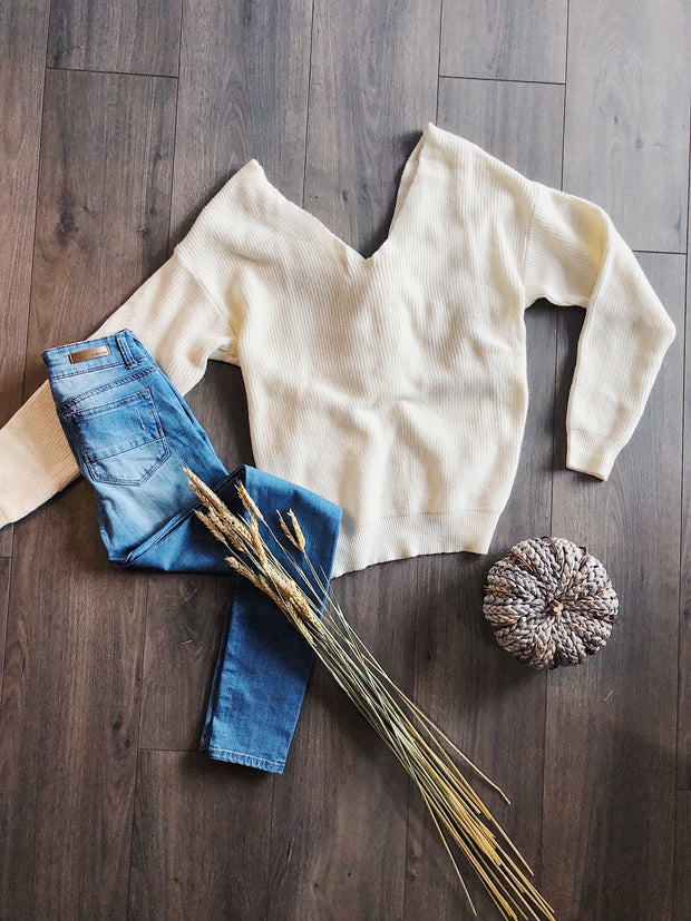 Love Me Knot Sweater Ivory