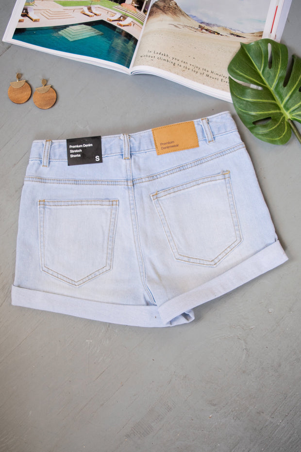 Take The Heat Cuffed Shorts Light Denim