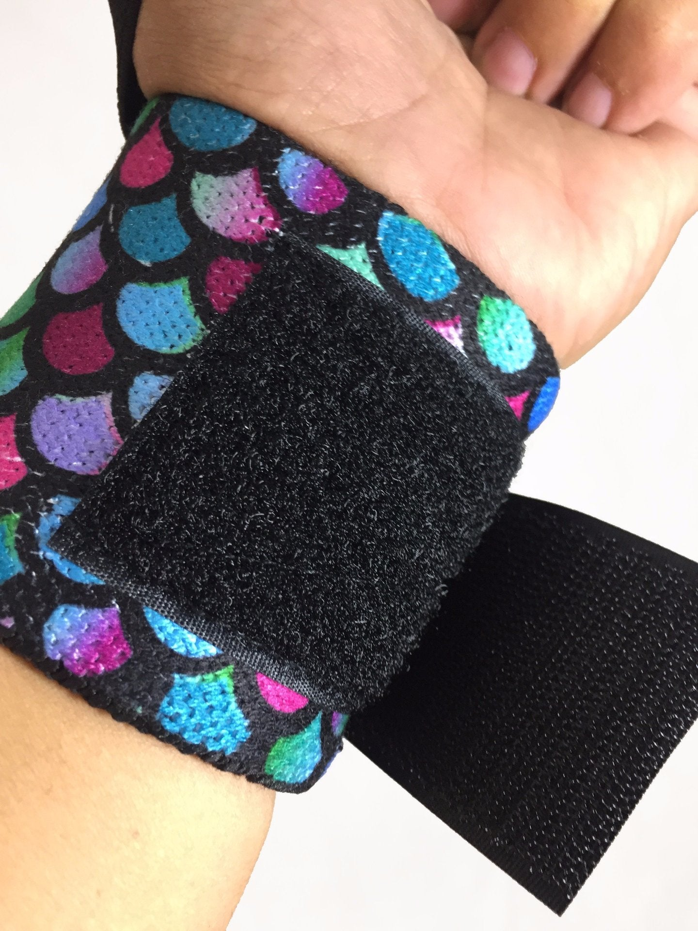 LIFTING THE DREAM WRIST WRAPS