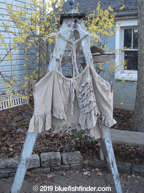 Vintage Blue Fish Clothing Magnolia Pearl Linen Homespun Apron Topper Flaxen OS- Bluefishfinder.com