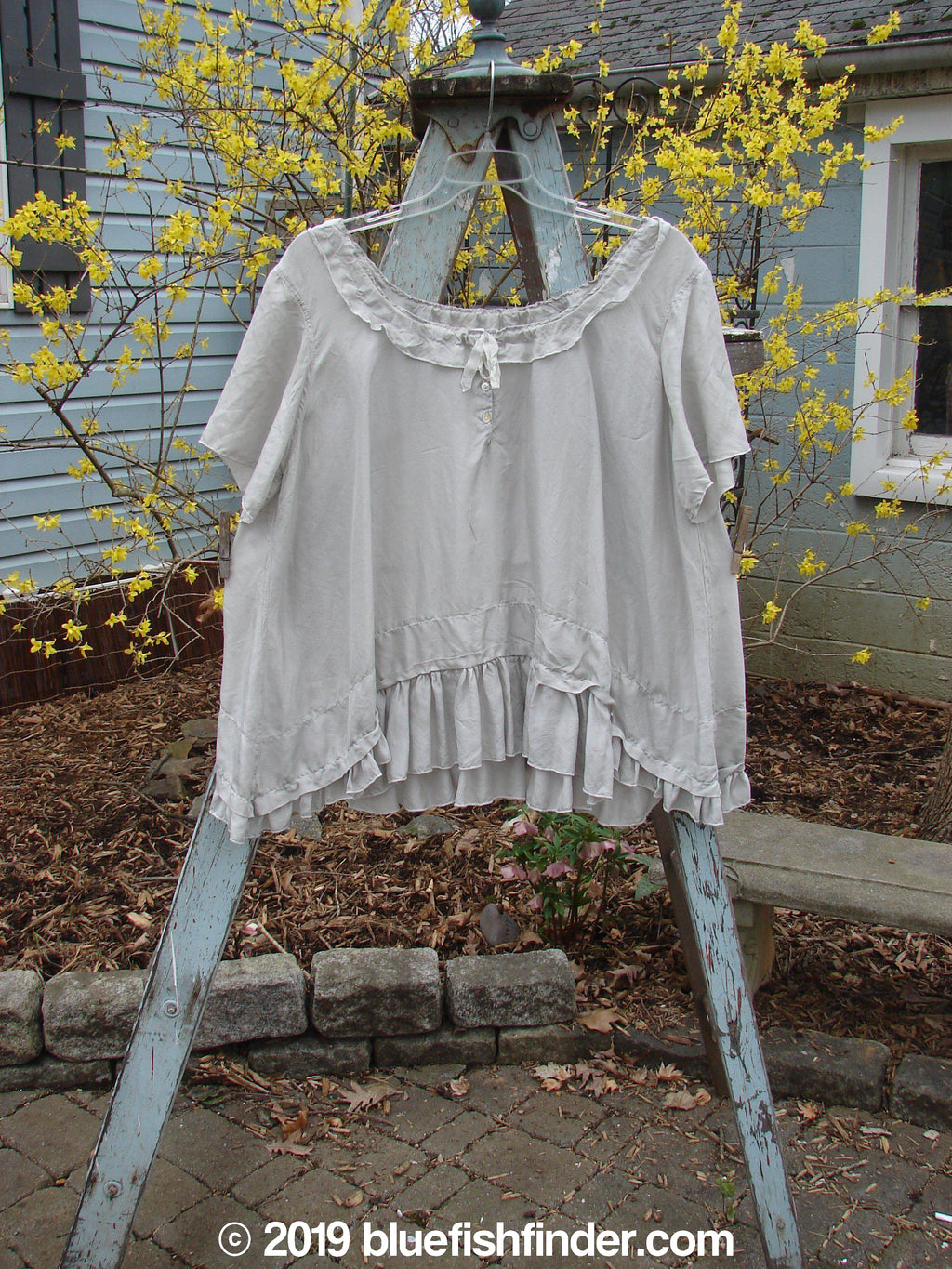 Vintage Blue Fish Clothing Magnolia Pearl Voile Tie Neck Top Grey OS- Bluefishfinder.com
