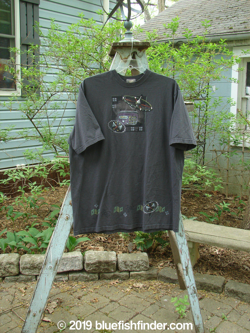 Vintage Blue Fish Clothing 2000 Short Sleeved Tee Space Craft Orbit Size 2- Bluefishfinder.com