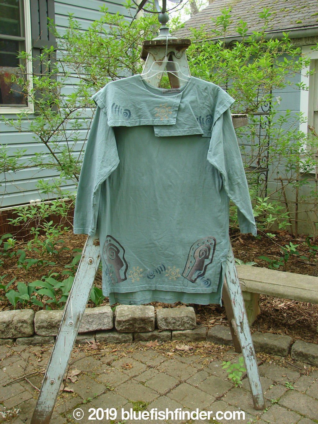 Vintage Blue Fish Clothing 1996 Trifocal Top Celestial Trinket Size 1- Bluefishfinder.com