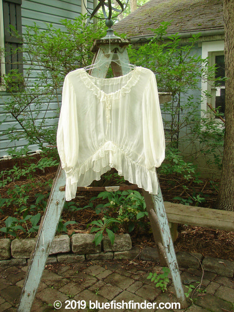 Vintage Blue Fish Clothing Magnolia Pearl Voile Peasant Top White OS- Bluefishfinder.com