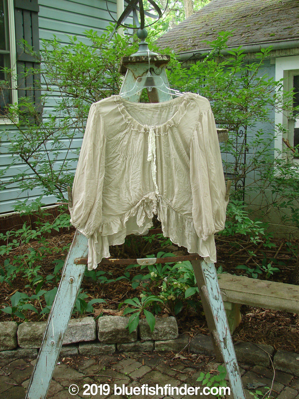 Vintage Blue Fish Clothing Magnolia Pearl Voile Peasant Top Grey OS- Bluefishfinder.com