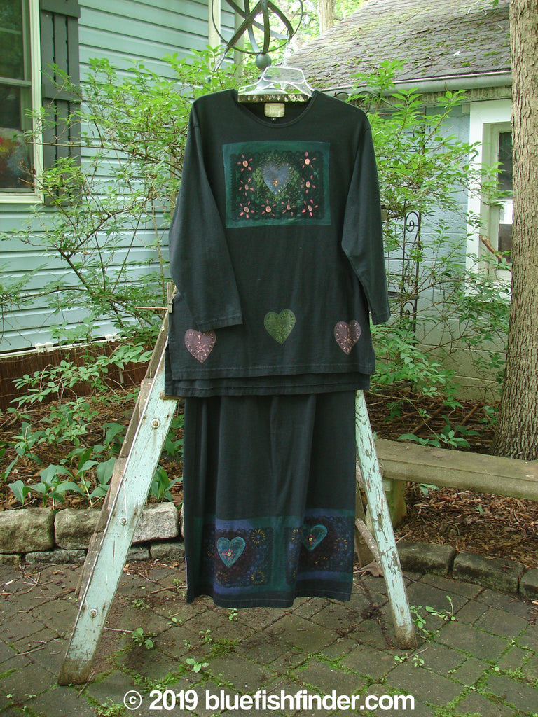 Vintage Blue Fish Clothing 1999 Long Sleeved Vented Tee Skirt Duo Heart Black Size 2- Bluefishfinder.com