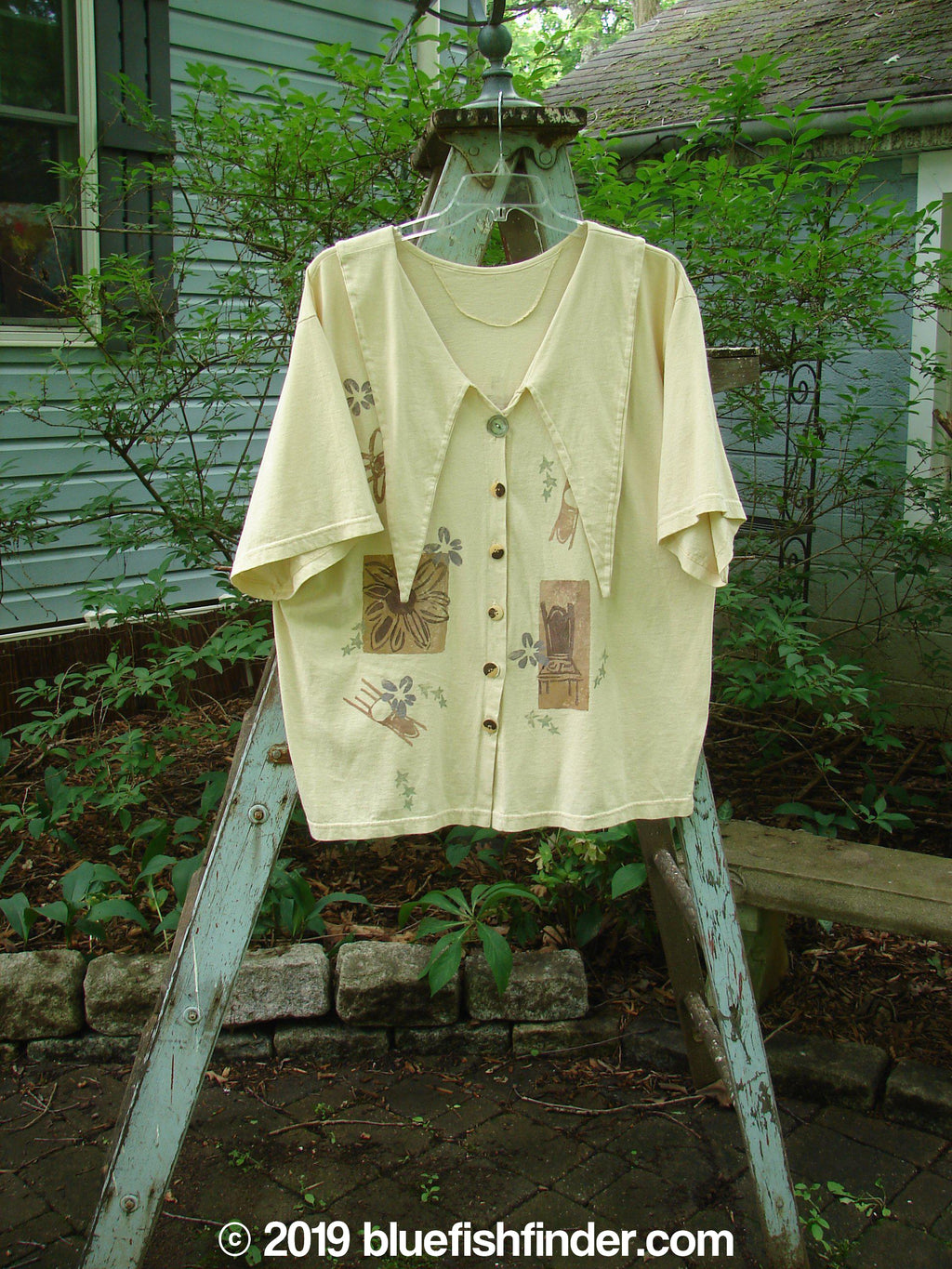 Vintage Blue Fish Clothing 1994 Compass Top High Back Chair Ecru Size 2- Bluefishfinder.com