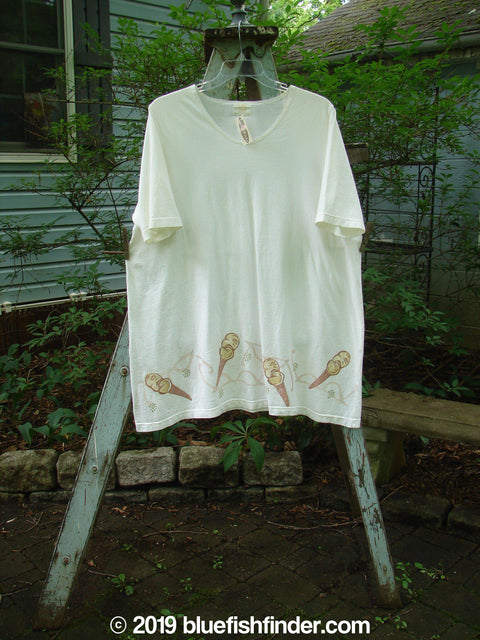 Vintage Blue Fish Clothing 2000 NWT Market Tee Ice Cream Cone White Size 2- Bluefishfinder.com
