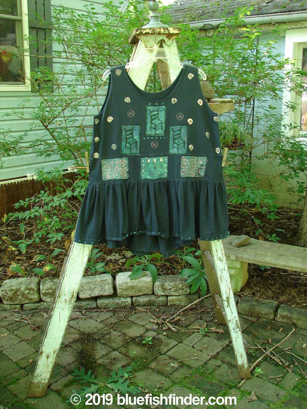 Vintage Blue Fish Clothing 1990 Button Tier Top High Back Chair Black OSFA- Bluefishfinder.com