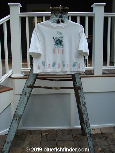 Vintage Blue Fish Clothing 1990 Short Sleeved Crop Tee Earthday White OSFA- Bluefishfinder.com