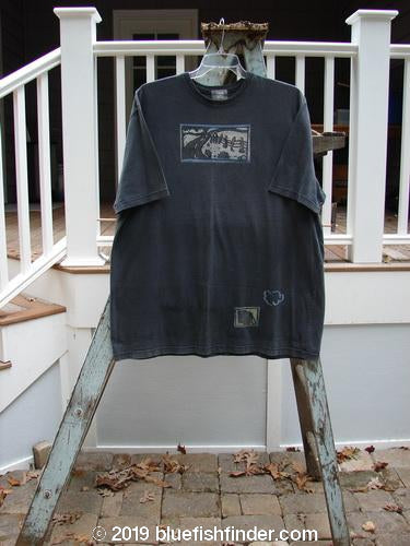Vintage Blue Fish Clothing 2000 Short Sleeved Tee Country Road Raven Size 2- Bluefishfinder.com