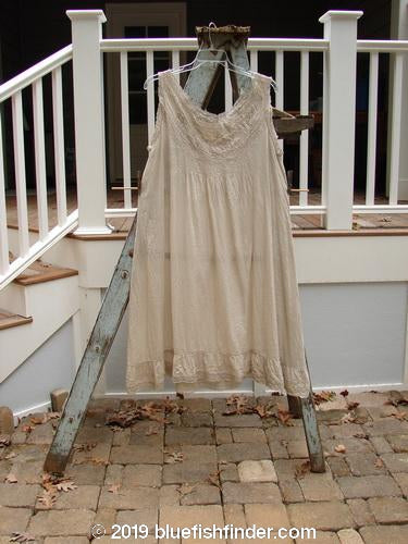 Vintage Blue Fish Clothing Magnolia Pearl Cotton Lace Pintuck Ruffle Slip Day Grey OS- Bluefishfinder.com