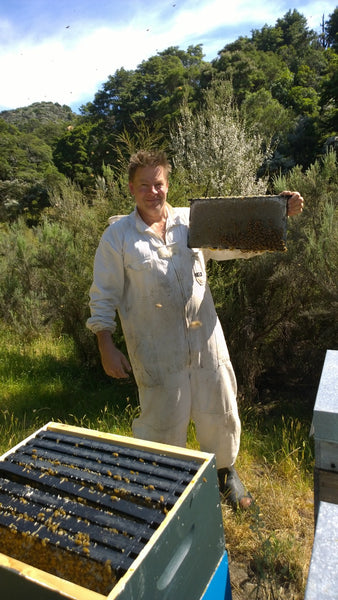 Avatar New Zealand Manuka Honey Head Bee-Keeper Brendon