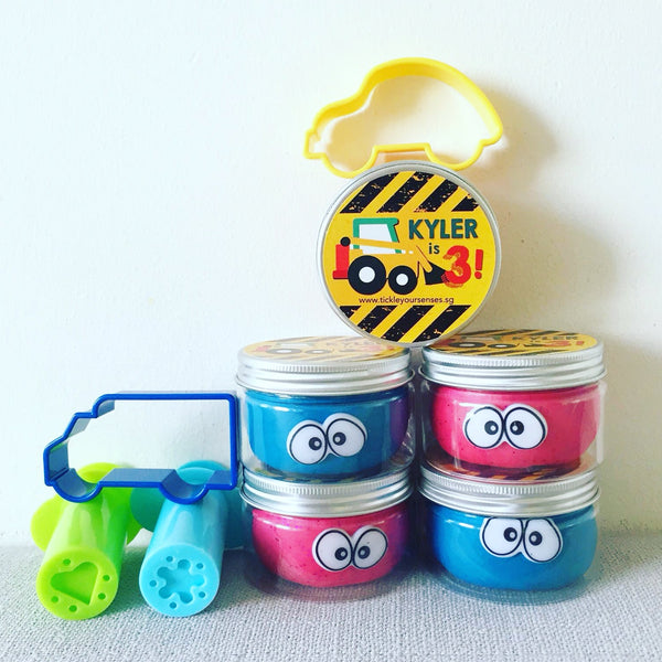 Playdough Party Favours