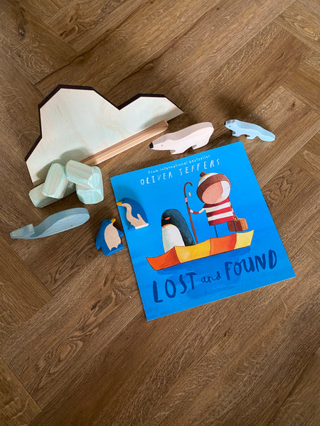 Lost & Found Arctic Story Board Set w/ Stand & Ice Boulders