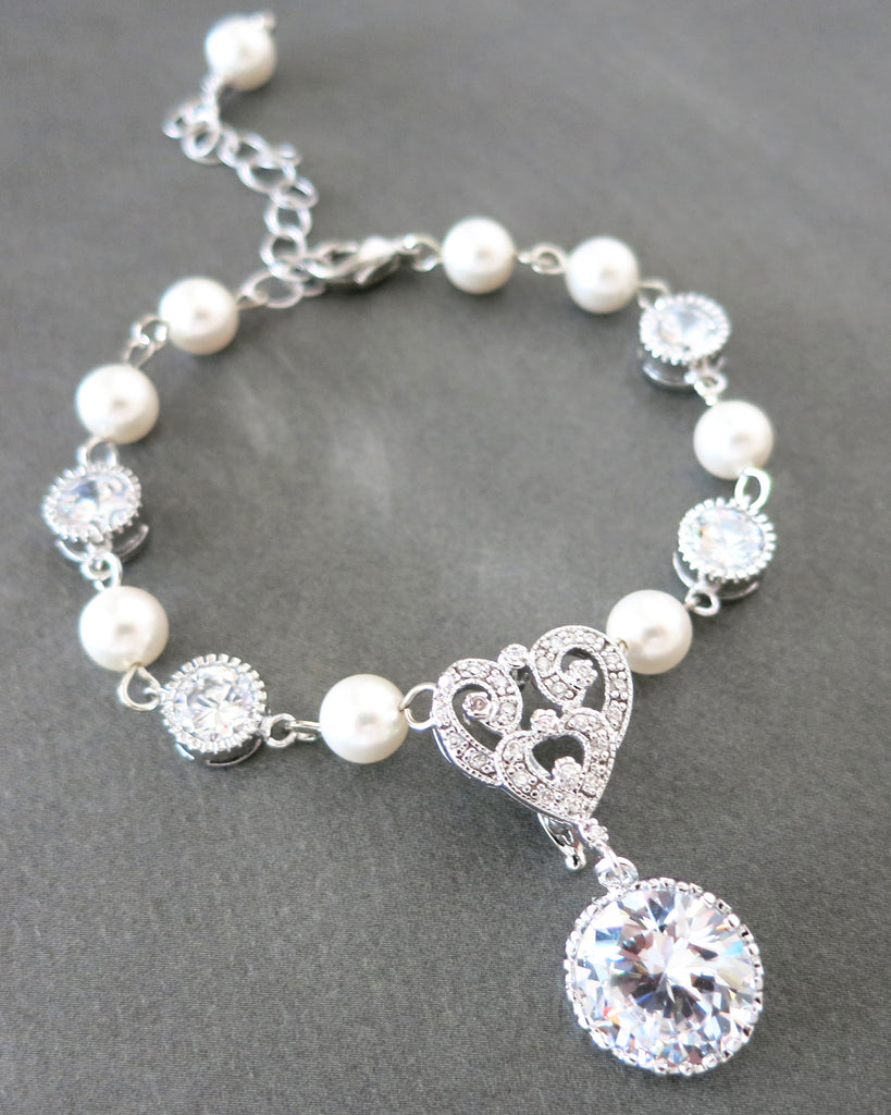 Forever Love Victorian Style Pearl Bracelet