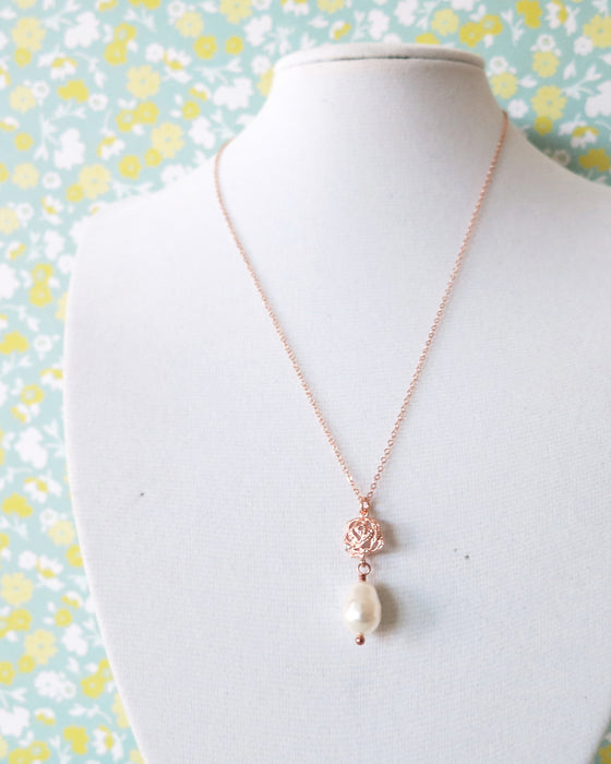 Rose Gold Rose Flower & Pearl necklace