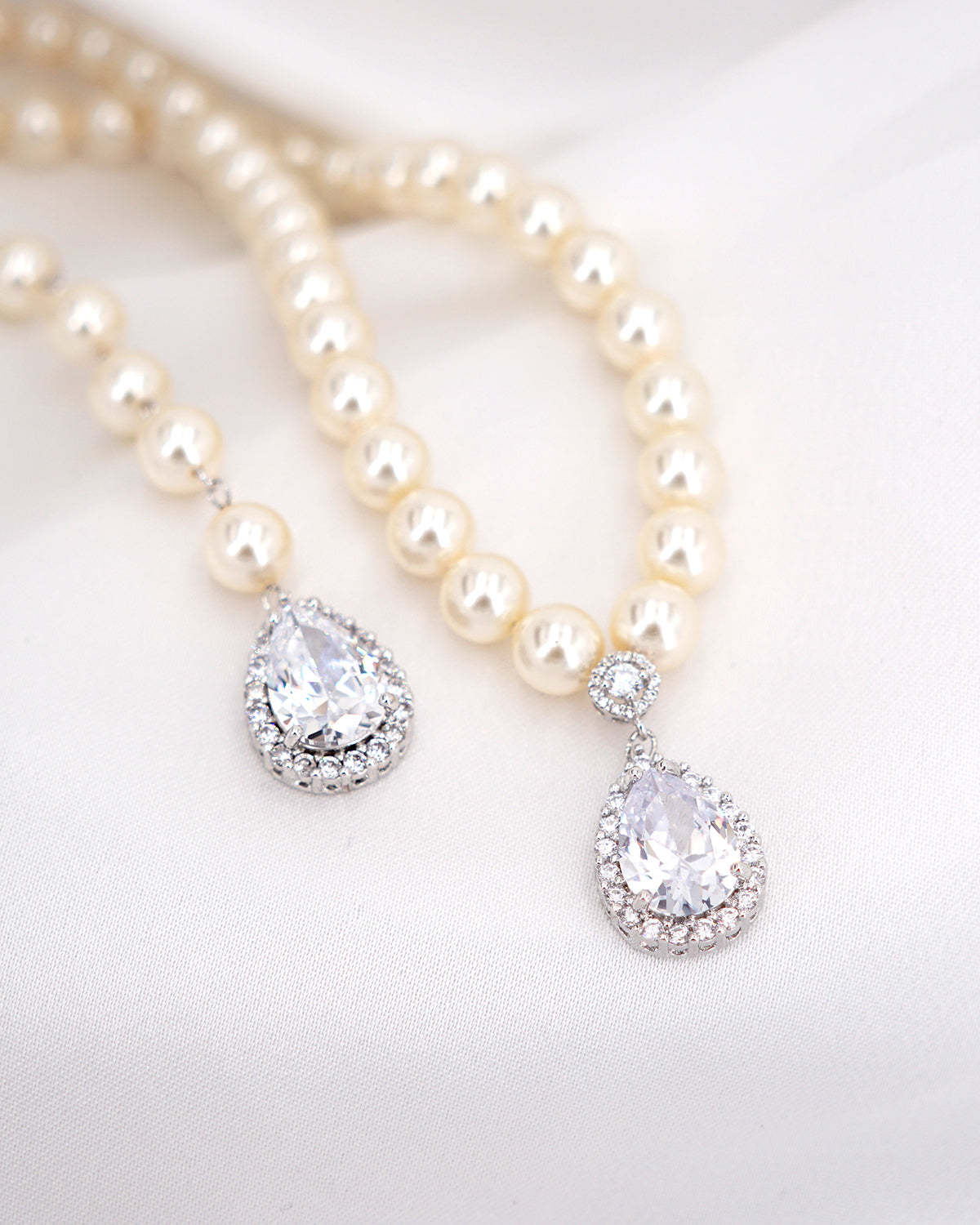 Fancy Teardrop Statement Pearl Necklace | Brides Bridesmaids Wedding