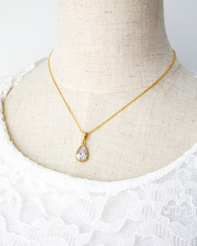 Simple Gold Teardrop Necklace