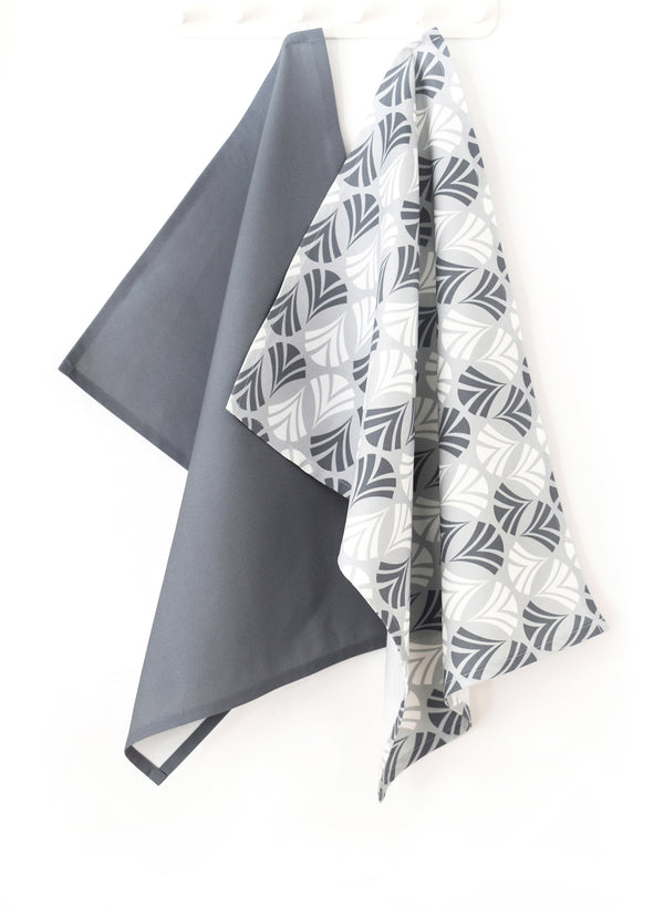Waltz Linen Cotton Tea Towel (18.5x25) – Set of 2 (Patterned Pale Grey & Solid Charcoal)