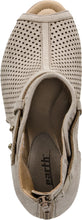 Earth Shoes Intrepid Taupe *CLOSEOUT*