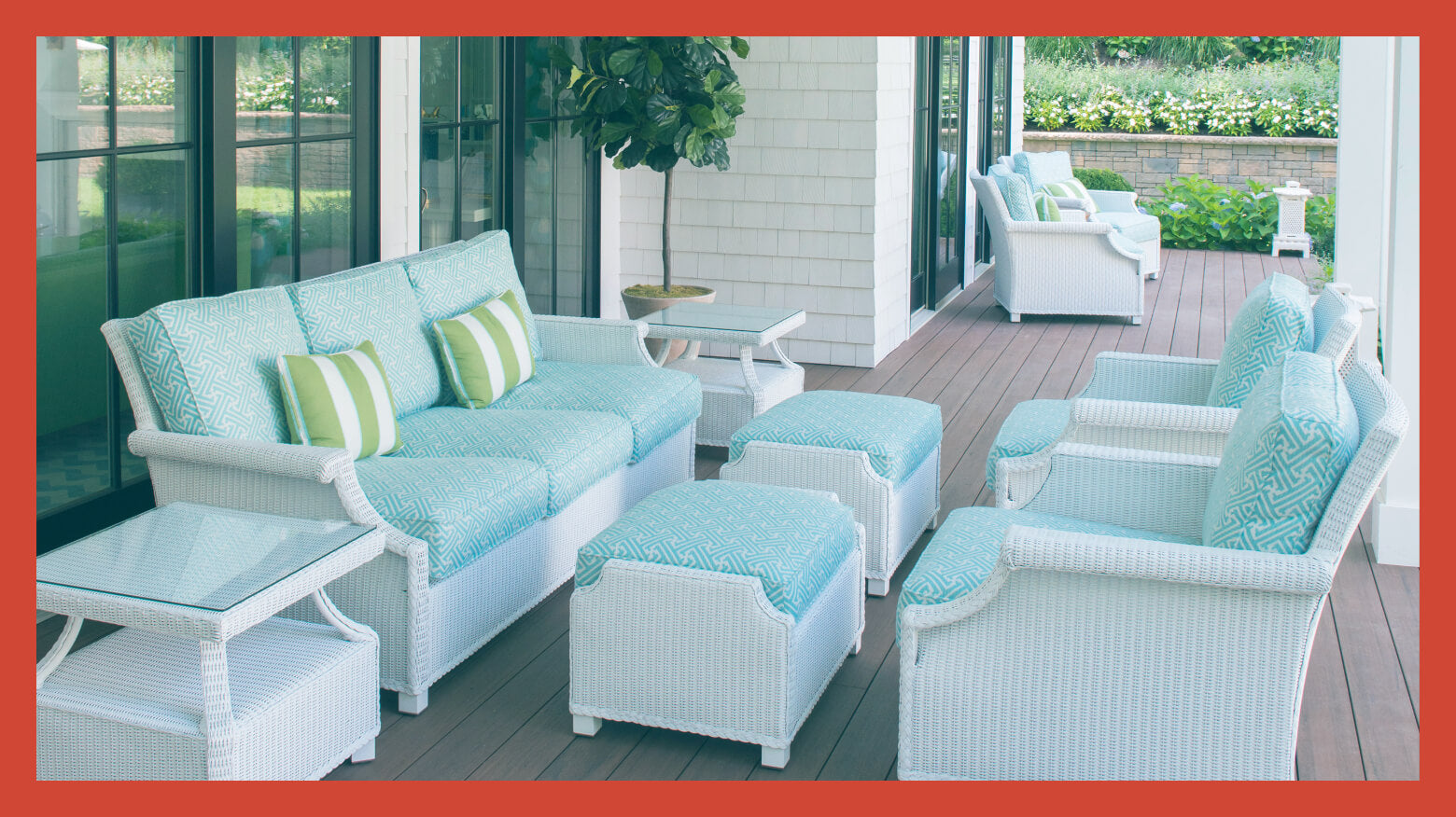Adorable White Wicker Outdoor Furniture Sets for Valentine's Day