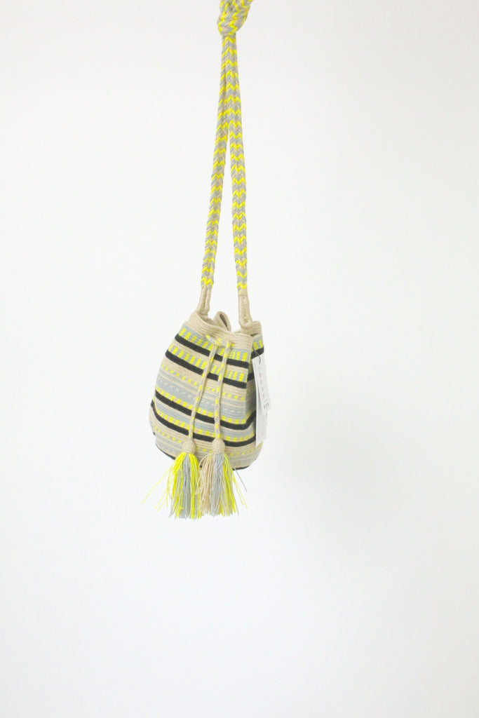 Guanabana Medium Wayuu Bag YELLOW BLUE