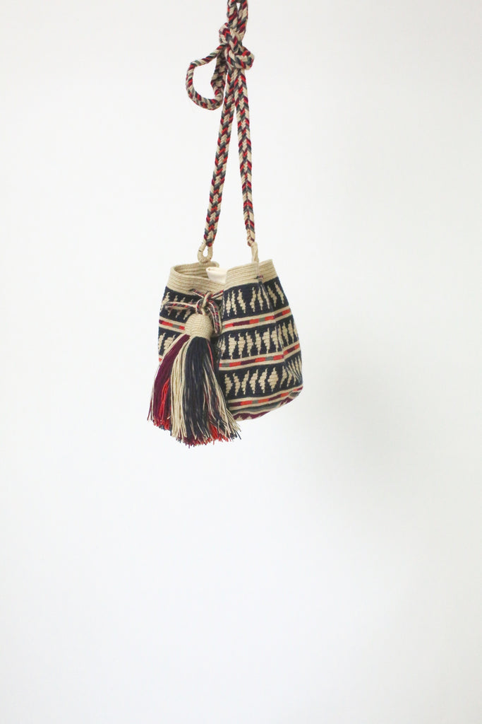 Guanabana Medium Wayuu Bag NAVY PINK
