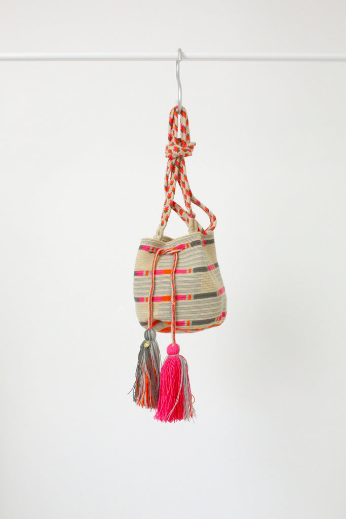 Guanabana Medium Wayuu Bag PINK ORANGE