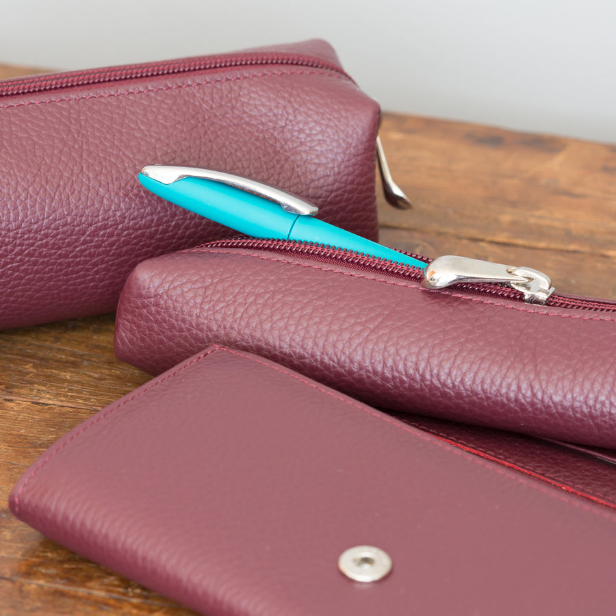 Giemme Box - handmade leather cosmetics bag - burgundy