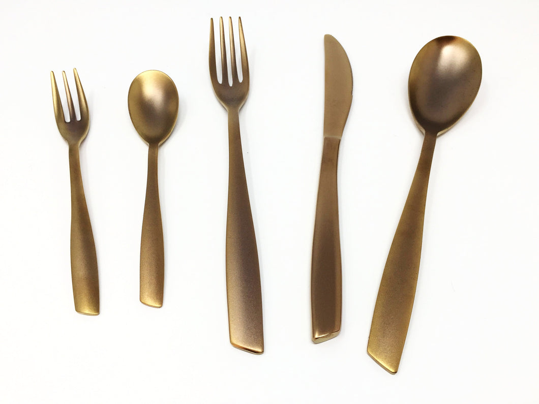 EME Posaterie 30 piece (6 place settings of 5 pieces) Cutlery Set.