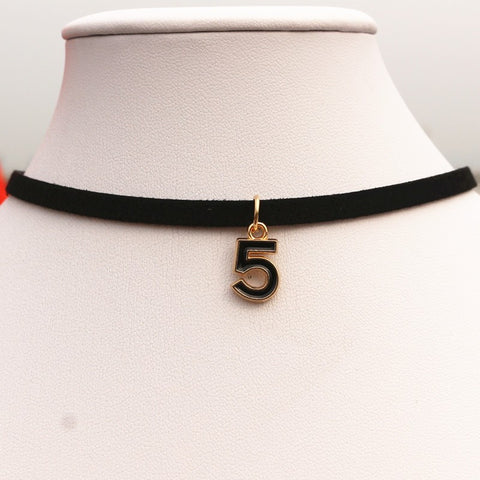 Crown Piece Black Choker - Guang
