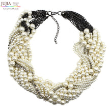 chunky luxury simulated pearl Necklace