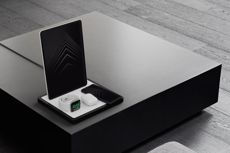 NYTSTND QUAD White leather top, black wood base luxury design charger on black table