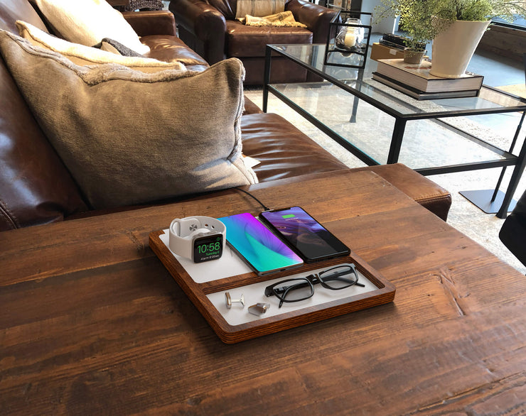 NYTSTND TRIO TRAY white leather top, oak wood base, lifestyle picture, on the desk