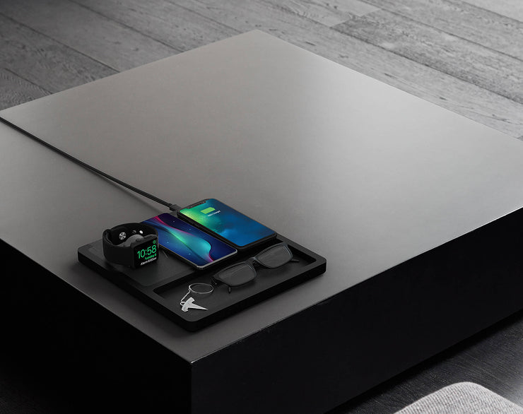 NYTSTND TRIO TRAY  wireless charger and tray-organizer, Black leather top, black wooden base, lifestyle picture