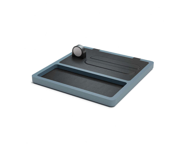 NYTSTND TRIO TRAY Black leather top GRAY wood base, MagSafe charger, Full surface charging area, Angle view no devices