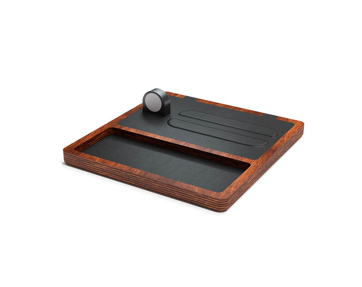 NYTSTND TRIO TRAY Black leather top Oak wood base, MagSafe charger, Full surface charging area, Angle view no devices